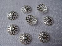 9 mm kepurėlė gėlė sidabro spalvos, 10 vnt